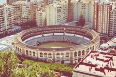 Vista aerea a Malaga con l'arena di La Malagueta Paesaggio urbano o fotografie stock libere da diritti