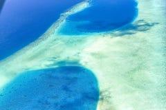 Vista aerea maschio dell'oceano dell'atollo Immagine Stock