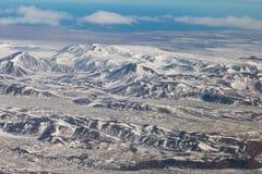 Vista aerea naturale della collina della montagna di inverno Immagini Stock Libere da Diritti