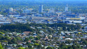 Vista aerea orizzonte del centro urbano di Christchurch di nuovo - Nuova Zelanda stock footage
