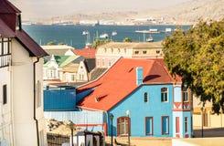 Vista aerea panoramica delle case di Luderitz - concetto di architettura in Namibia Immagine Stock
