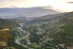 Vista aerea periferie di Tbilisi, Georgia fotografia stock libera da diritti