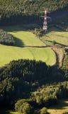Vista aerea: Pilone elettrico nella campagna Fotografia Stock Libera da Diritti