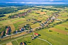 Vista aerea rurale idilliaca del villaggio della Croazia Fotografia Stock Libera da Diritti