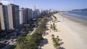 Vista aerea Santos, capoluogo di contea di Baixada Santista, individuato sopra Fotografia Stock