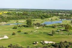 Vista aerea sopra il campo di golf Fotografie Stock Libere da Diritti