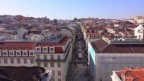Vista aerea sopra la città di Lisbona dall'arco della via di Augusta - LISBONA/PORTOGALLO - 14 giugno 2017 archivi video