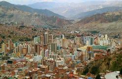 Vista aerea spettacolare del La Paz come visto dalla cabina di funivia, La Paz, Bolivia immagine stock libera da diritti
