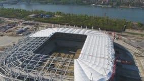 Vista aerea su costruzione e su ricostruzione di stadio di football americano Ricostruzione dello stadio per ospitare le partite  fotografie stock libere da diritti