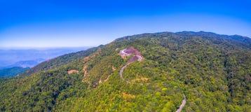 Vista aerea su Doi Inthanon il più alta montagna in Chiang Mai Immagini Stock