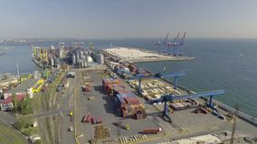 Vista aerea su Odessa Sea Trade Port l'ucraina video d archivio