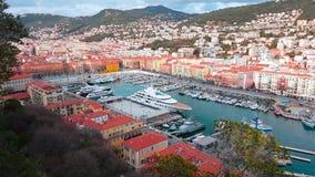 Vista aerea su porta Nizza e degli yacht di lusso stock footage