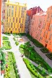 Vista aerea sugli edifici residenziali variopinti Bene immobile ed alloggio Fotografia Stock Libera da Diritti