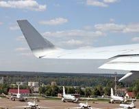 Vista aerea sull'ala Immagini Stock