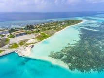 Vista aerea sull'isola di Olhuveli, Maldive immagine stock