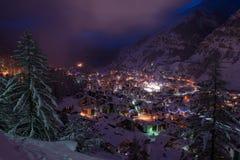 Vista aerea sulla valle di Zermatt e sul picco del Cervino Immagini Stock