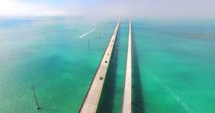 Vista aerea un ponte da sette miglia Tasti della Florida archivi video