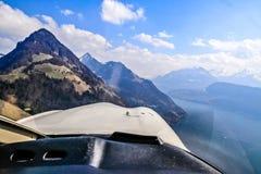 Vista aerea unica dell'aeroplano delle alpi svizzere centrali Immagine Stock