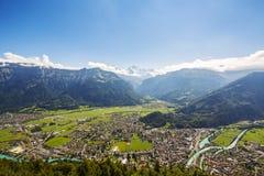 Vista aerea verso Interlaken e le alpi Fotografia Stock