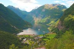 Vista agradável ao Oceano Atlântico, fjord de Geiranger Imagem de Stock