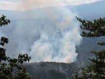 Vista ahumada del fuego en las montañas ahumadas Tennessee Foto de archivo libre de regalías