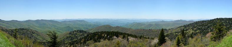 Vista ahumado del parque nacional de las montañas Imagen de archivo