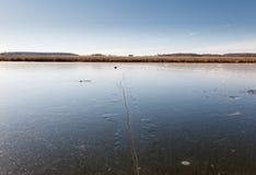 Vista al aire libre del lago congelado Fotografía de archivo libre de regalías