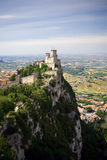 Vista al castello del San Marino Immagini Stock Libere da Diritti