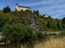 Vista al castello Schadeck con il cielo nuvoloso Fotografie Stock