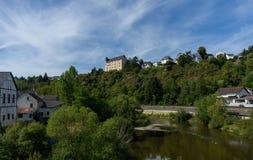 Vista al castello Schadeck con il cielo nuvoloso Fotografia Stock Libera da Diritti