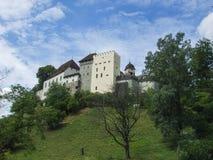 Vista al castillo en lenzburg cerca de Zurich imágenes de archivo libres de regalías