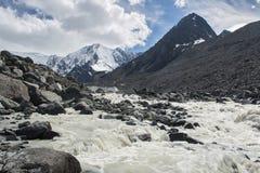 Vista al glaciar de la montaña de Beluha, Altai Imagen de archivo libre de regalías