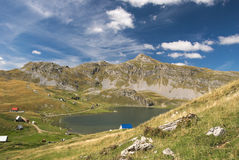 Vista al lago Kapetanovo, Montenegro Immagine Stock