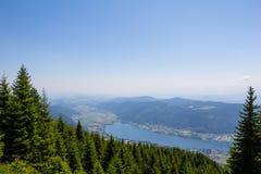 Vista al lago Ossiach de Gerlitzen Imagenes de archivo