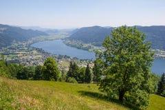 Vista al lago Ossiach de Gerlitzen Fotos de archivo libres de regalías