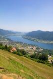 Vista al lago Ossiach del Mt Gerlitzen Fotografía de archivo