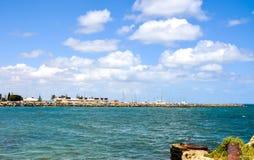 Vista al mar de Indan por la playa del bañista: Fremantle, Australia occidental Imagenes de archivo