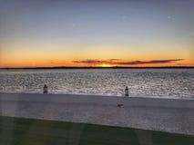 Vista al mar de la puesta del sol Foto de archivo libre de regalías