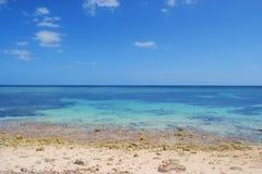 Vista al mar del Caribe fotos de archivo
