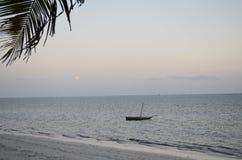 Vista al mar en la salida del sol kenia Foto de archivo libre de regalías
