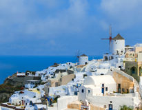 Vista al mare dal villaggio di OIA dell'isola di Santorini in Grecia Fotografia Stock Libera da Diritti