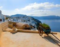 Vista al mare dal villaggio di OIA dell'isola di Santorini in Grecia Immagine Stock Libera da Diritti