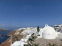 Vista al mare dal villaggio di OIA di Santorini Immagini Stock Libere da Diritti