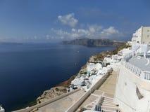 Vista al mare dal villaggio di OIA di Santorini Fotografie Stock Libere da Diritti