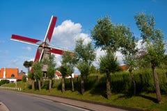 Vista al mulino a vento, Knokke, Belgio Immagini Stock