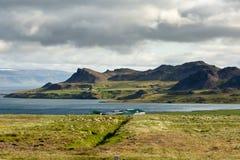 Vista al paesaggio della montagna in Islanda Fotografie Stock