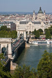 Vista al ponte sopra Donau a Budapest fotografia stock