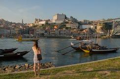 Vista al río del Duero en Oporto Fotos de archivo libres de regalías