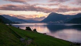 Vista al rallentatore su Ørsta in Norvegia stock footage