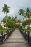 Vista al stupa de Wat Traphang Thong en Sukhothai, Tailandia Imagenes de archivo